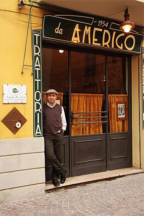 Alberto Bettini vor seiner Trattoria.