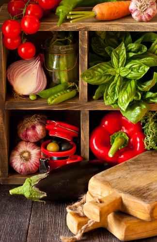 Verschiedene Gemüsesorten in rot und grün