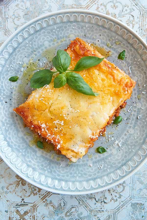 Eine Portion klassischer Lasagne