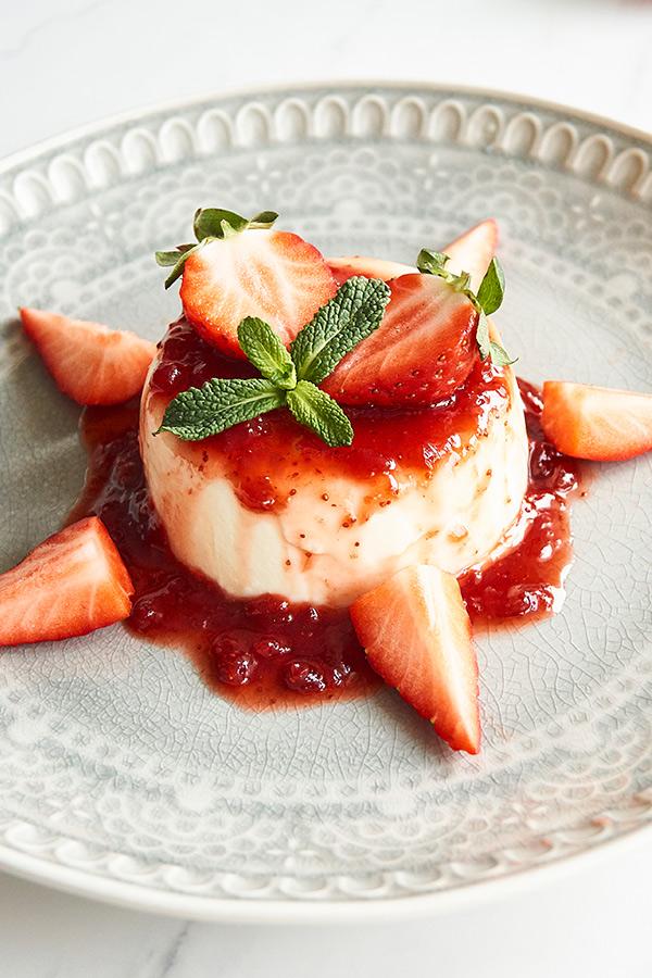 Panna Cotta mit Erdbeeren