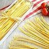 Bandnudeln mit Zitrone Linguine al limone in Geschenkverpackung